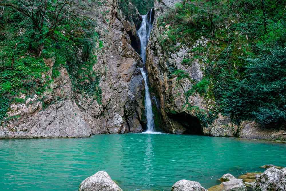 Агурские водопады (Ущелье)